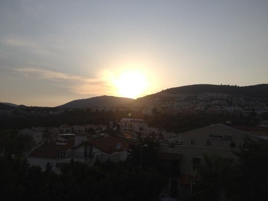 Rami's Terrace Restaurant : SUNSET VIEW FROM THE ROOFTOP TERRACE