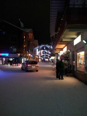 Hotel Hullu Poro (Crazy Reindeer): MAIN TOWN