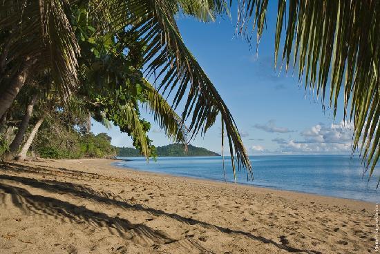 Chirongui, Mayotte: la plage de N'Gouja-Jardin Maore