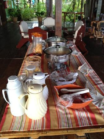 Bocas Inn: breakfast spread: eggs, pancakes, bacon, fruit, cereal