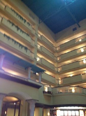 Embassy Suites by Hilton Laredo : inside