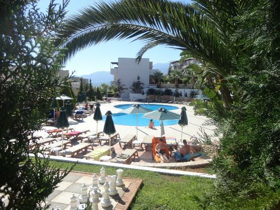 Grand Hotel Holiday Resort: adult pool