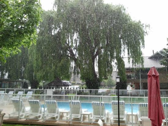 Best Western Inn at Penticton : It was raining that day :(