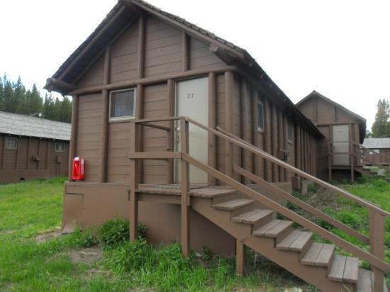 Lake Lodge Cabins: front
