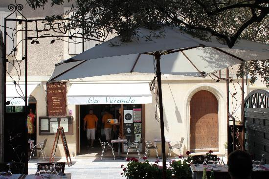 Cafe Veranda: Le restaurant vu de la terrasse
