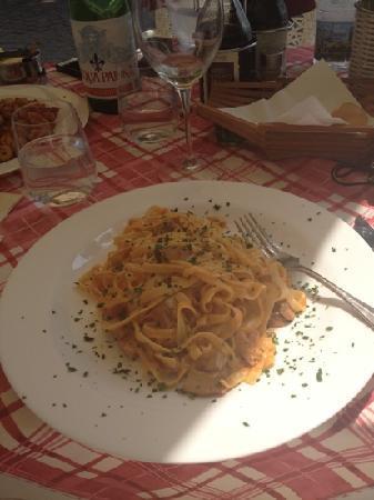 Il Merlo Nero : tagliatelle with mushroom and cream sauce