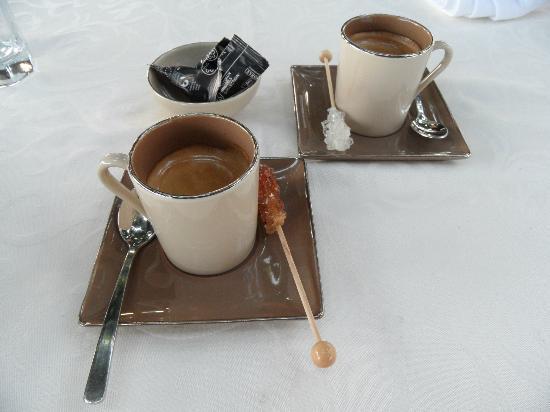 Le Coq Hardi: café