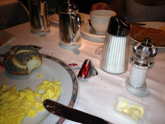 Hotel Glaernischhof : Silverware at breakfast