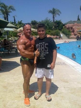 MC Arancia Resort Hotel: aranciada ben ve bodybuilder