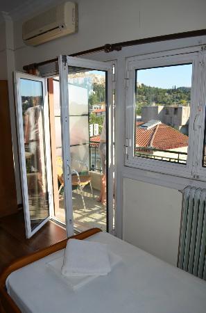 Pella-Inn Hotel: Room