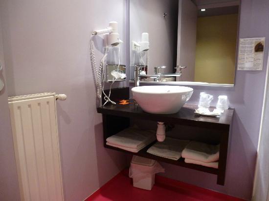 Hôtel Le Ceïtya : salle d'eau
