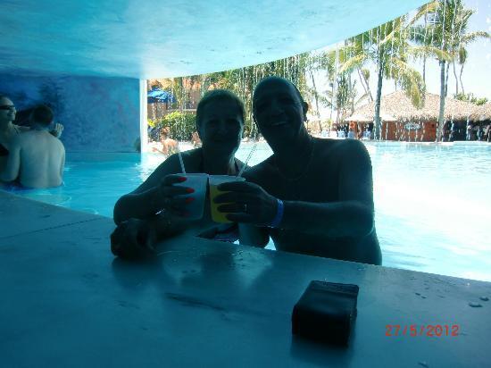 Natura Park Beach - EcoResort & Spa: En el bar de la piscina