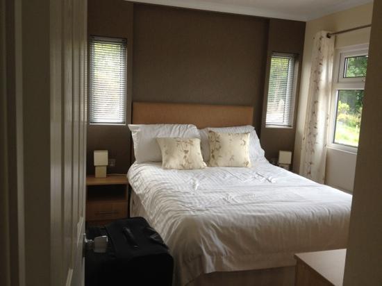 waterfall lodge 3 picture of gwalia falls retreat. Black Bedroom Furniture Sets. Home Design Ideas