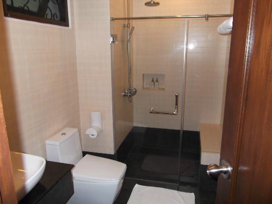 Maryoo Hotel : Bathroom