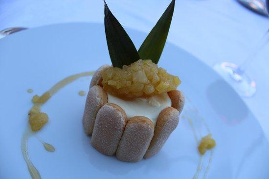 Restaurant Clair de Plume Gastronomique : Un lapin au dessert?