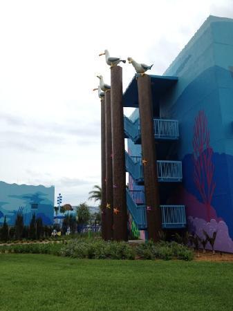 Disney's Art of Animation Resort: side of Nemo building