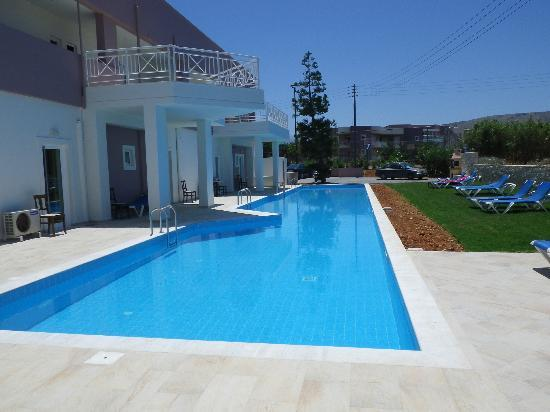 Gouves Sea and Mare Hotel & Suites : Swimming Pool for rooms 104 to 108