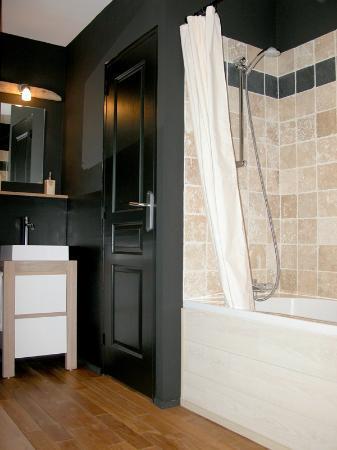 Villa Providence : salle de bain chambre N°3