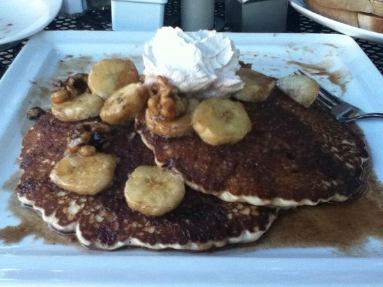 The Kitchen on Main: Pancake with bananas, candied walnuts, and fresh cinnamon whipped cream