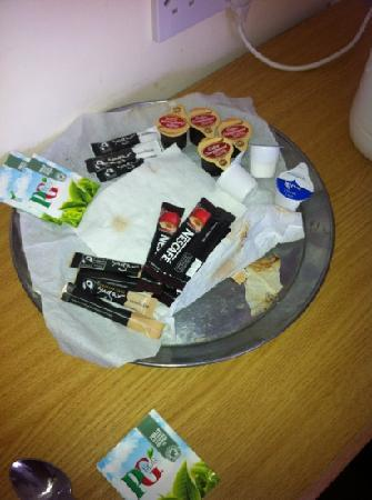 The New Inn: the coffee tray was disgustingly filthy