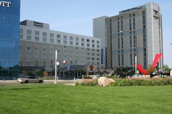 Fairfield Inn & Suites Indianapolis Downtown: View of Hotel