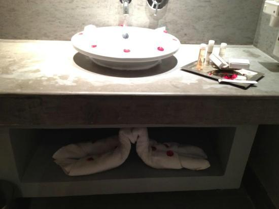 Sirayane Boutique Hotel & Spa : Decorated sink