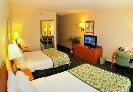 Fairfield Inn and Suites Elizabethtown: Double/Double Guest Room
