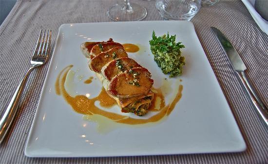 La Maison de Celou : Filet mignon du Ventoux, cannelloni de légumes, jus de citronnelle et gremolata