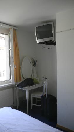 Hotel Hirschen: Room 805