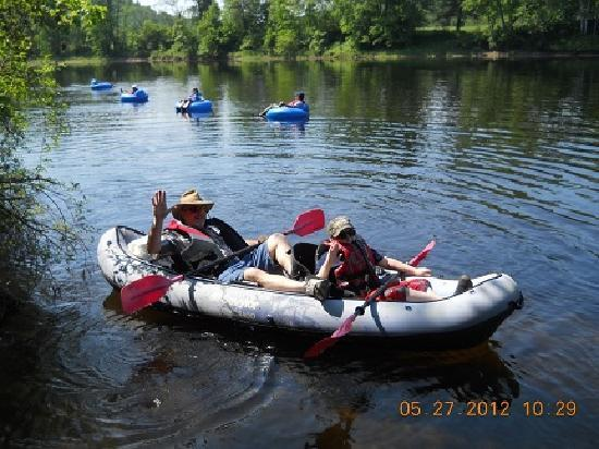Adirondack Tubing Adventures : Enjoying An Inflatable Kayak!