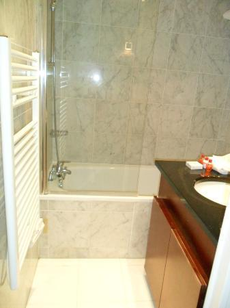 Residhome Val d'Europe: Bathroom