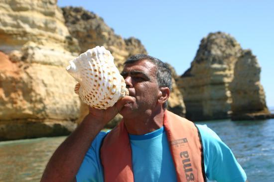 Ponta da Piedade: Conch horn