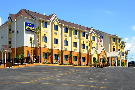 Microtel Inn & Suites by Wyndham New Braunfels: Exterior