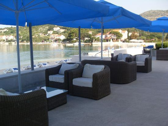 Admiral Grand Hotel: Outside patio