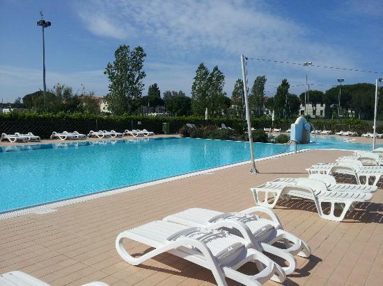 Residence Rosa dei Venti: piscine