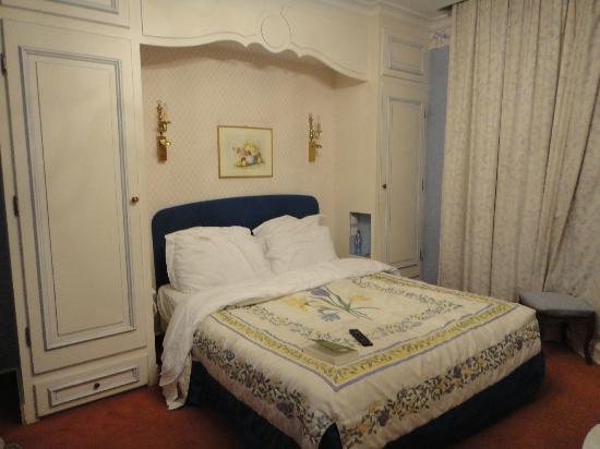 Chateau de Beaulieu: Our room