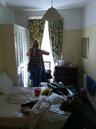 Jenkins Hotel: room