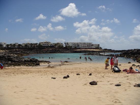 Apartamentos Galeon Playa: Bay (2 mins away from hotel)
