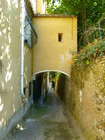 Il Melograno in Costa d'Amalfi: Rest of the walkway to apartment.