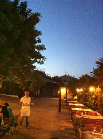 El Corral del Pato: patio de verano