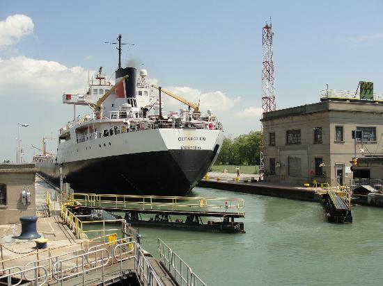 The Welland Canal: Vessel about to be lowered into lock