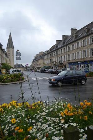 Hotel De La Place: Rue Du 12 Juin1944 in Aunay sur Odon
