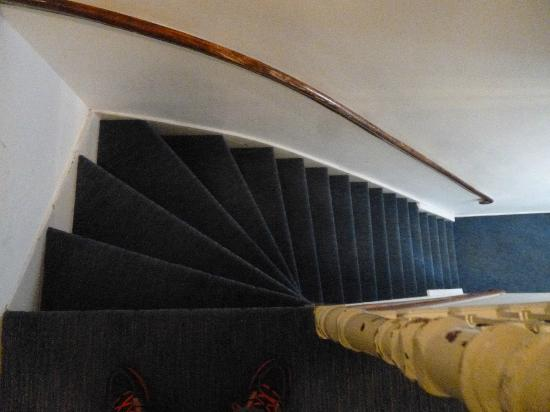 Hotel La Ville: The terrifying stairs!
