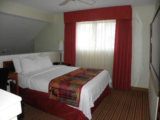 Sonesta ES Suites Jacksonville: 2nd bedroom loft, top story 2-bedroom accommodation