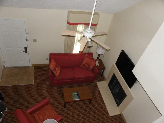 Sonesta ES Suites Jacksonville: Top floor 2- bedroom accommodations, view from 2nd bedroom loft