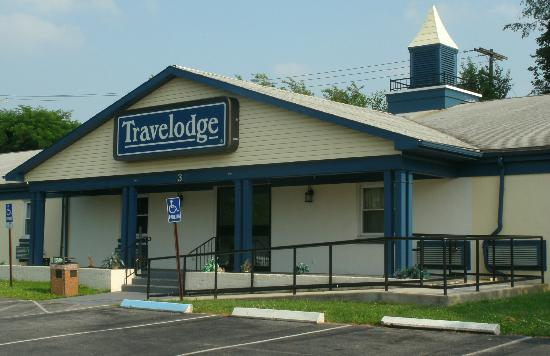 Travelodge Carlisle: Front of motel