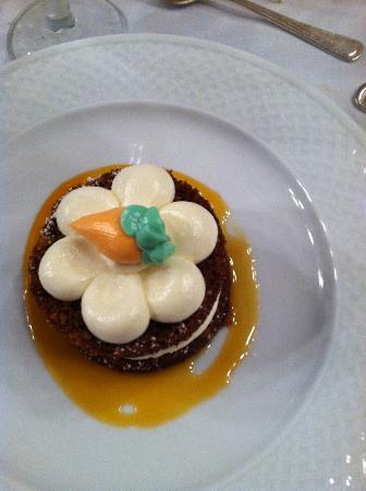 Quisisana: Carrot cake