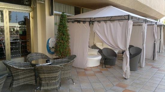 Hotel Florida Park: loże przy basenie