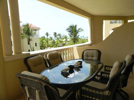 The Somerset on Grace Bay: One of 2 balconies