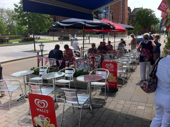 barnabys outside restaurant